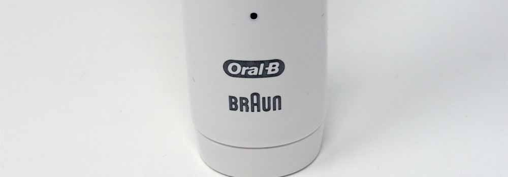 Battery icon and logo of Oral-B 3000