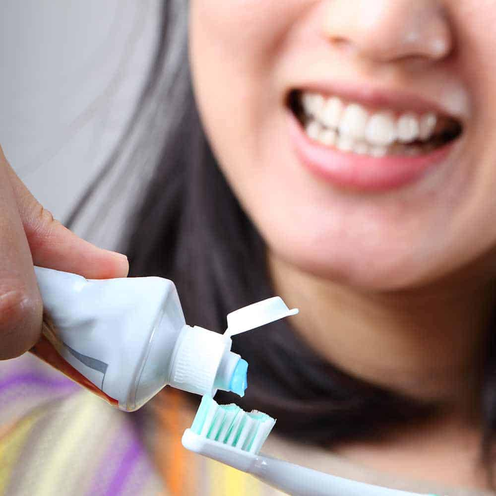 How to brush your teeth properly 7