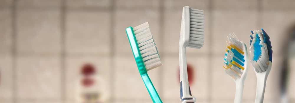 How to clean your electric toothbrush: base, handle & heads 6
