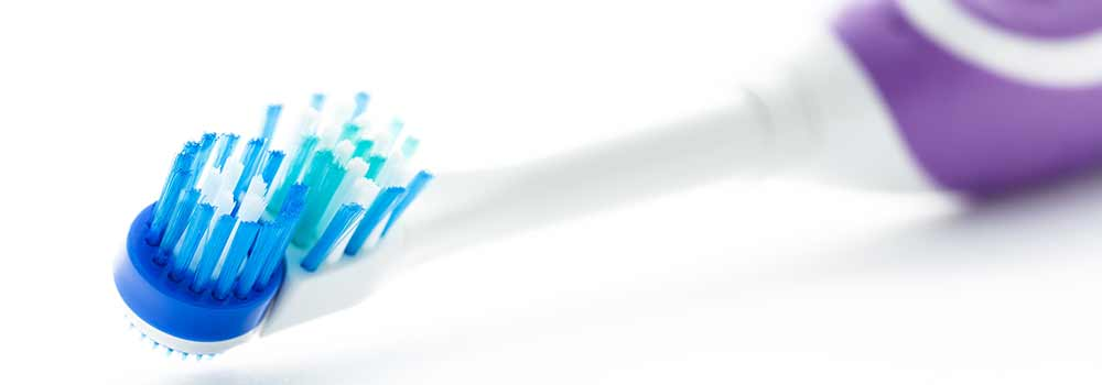 How to clean your electric toothbrush: base, handle & heads 3