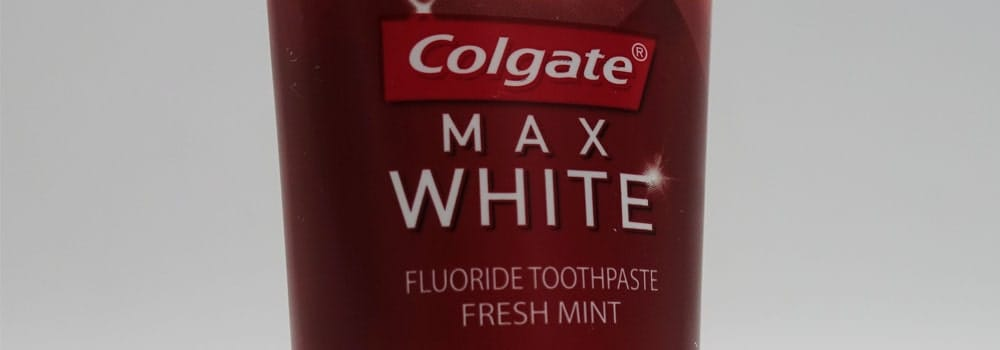 Colgate Max White Expert Complete Whitening Toothpaste Review 8
