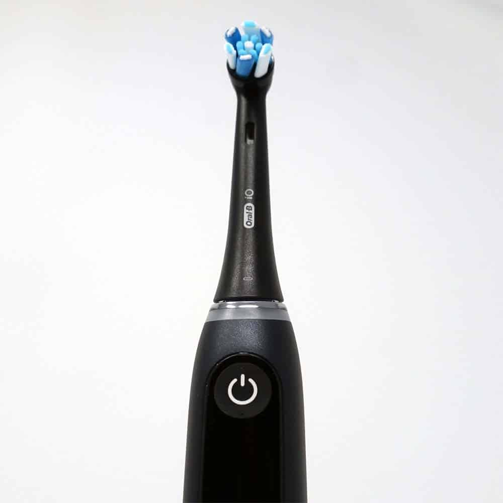 Oral-B iO Series 9 toothbrush in onyx black colour
