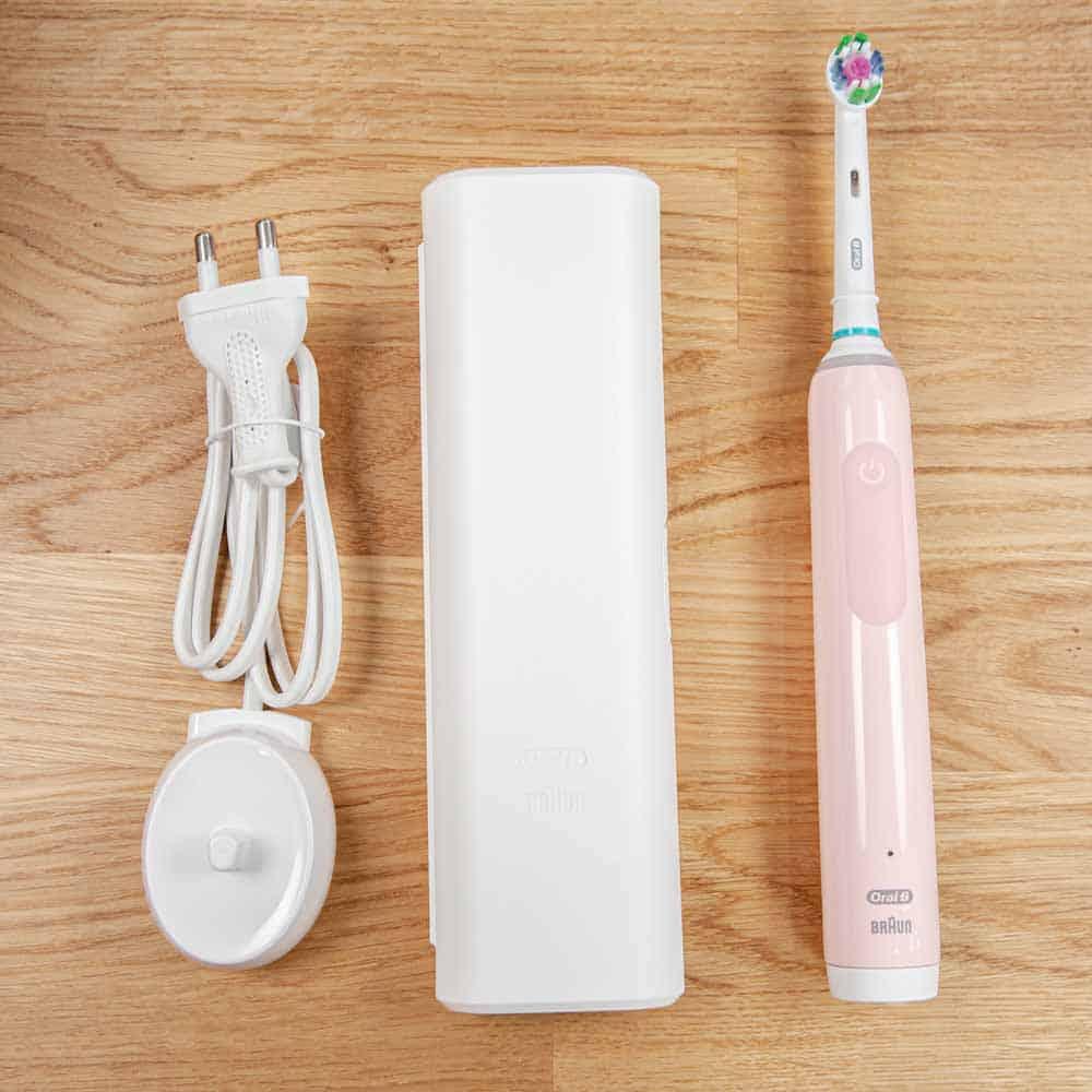 Oral-B Pro 3 3500 Box Contents