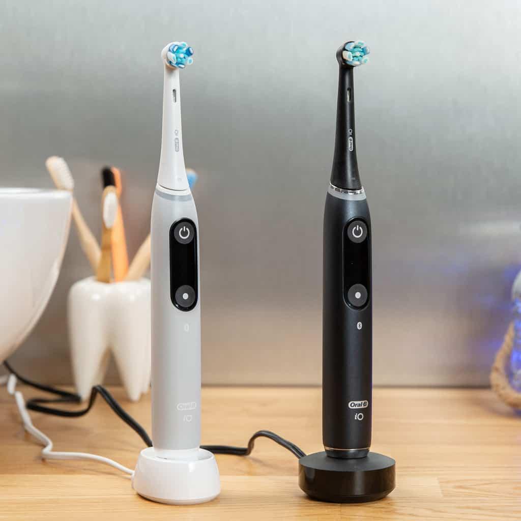 Oral-B iO 6 vs iO 9 Charging Stand