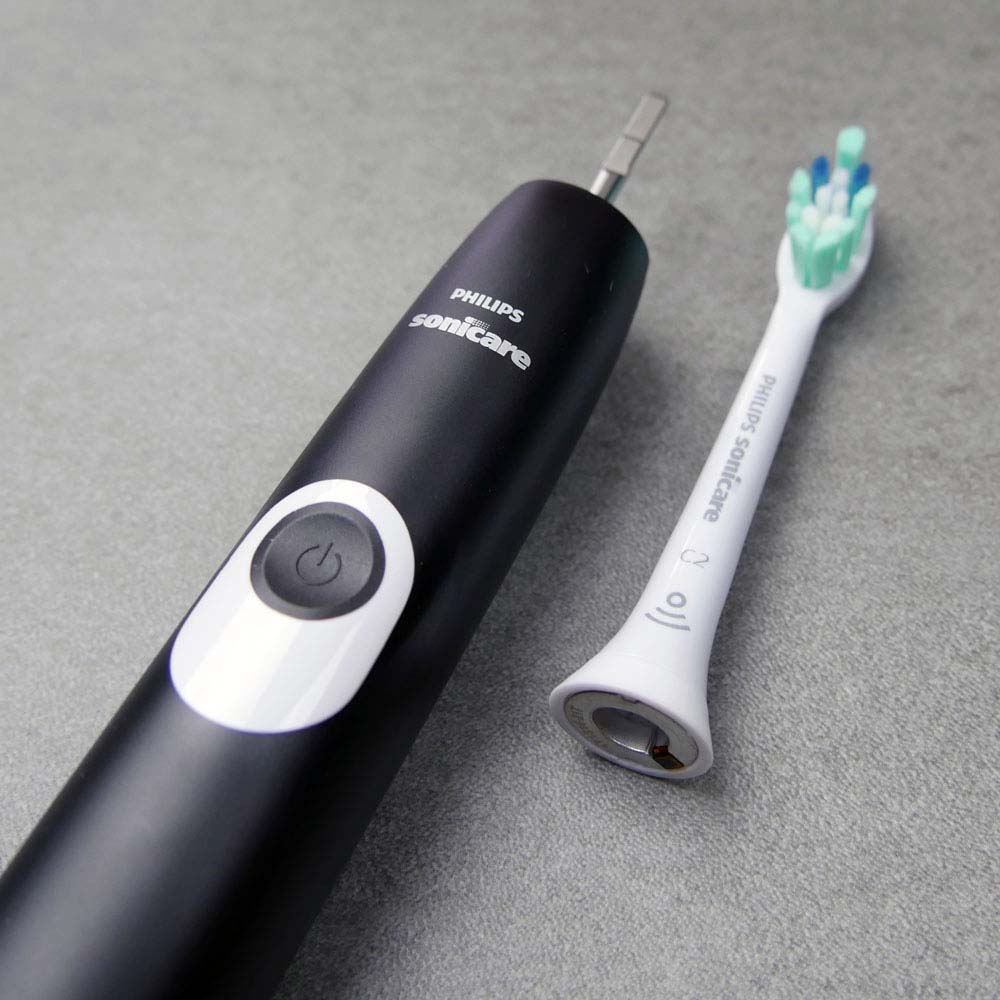 Sonicare 4100 toothbrush with brush head detached