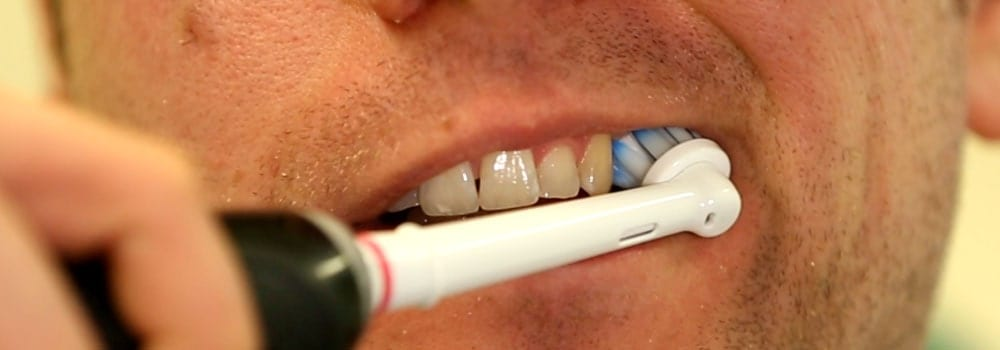 How to brush your teeth properly 8
